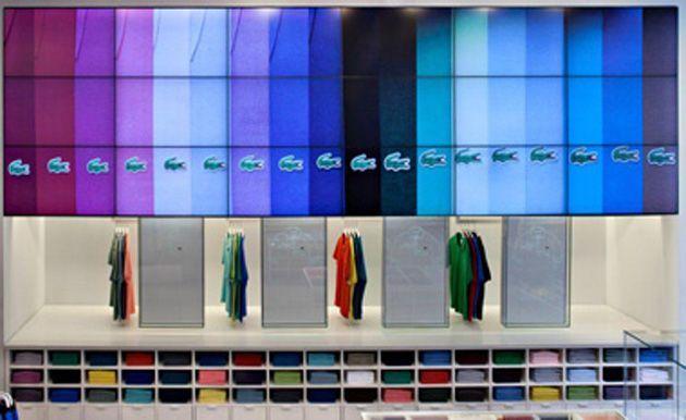 Lojas da Lacoste investem em sinalização digital - Infosign.net.br 2be8642e4d