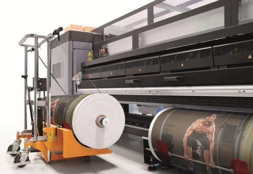 71e3fdf717059 Na Fespa 2015, a HP apresentou as impressoras Latex 3500, que trabalham com  rolos