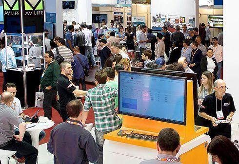 Brasil Signage Expo é a primeira feira brasileira totalmente dedicada a sinalização digital