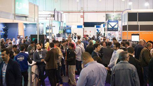 Segunda edição da Brasil Signage Expo foi visitada por milhares de profissionais de sinalização digital