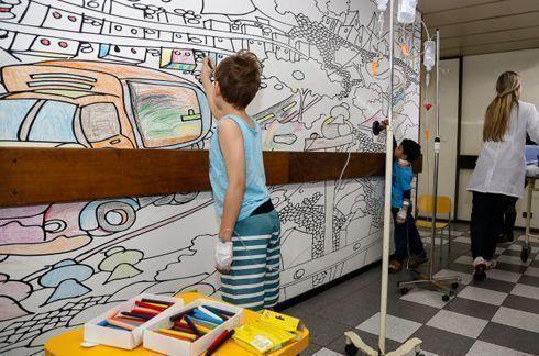 F9 e HP criam arte interativa para crianças internadas em hospital infantil