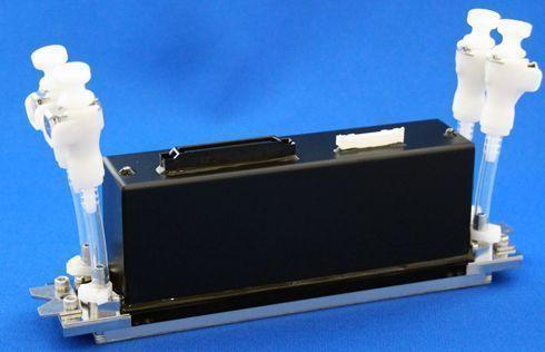 KJ4B-0300-G06DS oferece resistência contra ambientes adversos associados à impressão materiais para vestuário