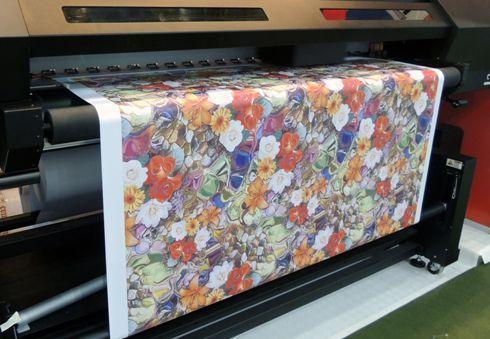 Em 2015, maioria dos leitores do InfoSign preferiram planejar e investir em tecnologias capazes de imprimir em tecidos