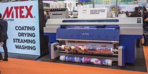 Blue K imprime almofadas, mantas, roupas de cama, itens promocionais e vestuário