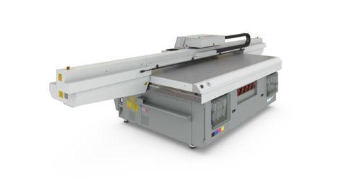 Océ Arizona 2200 pode trabalhar com mídias com formato de 250cm x 308cm