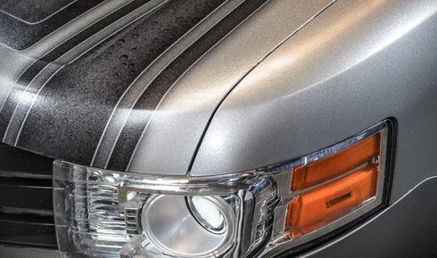 Película, com efeito gliter, é indicada para envelopamento de carros