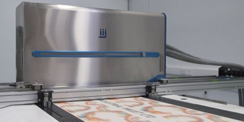 Equipamento é capaz de imprimir papéis de parede em linha e alta velocidade