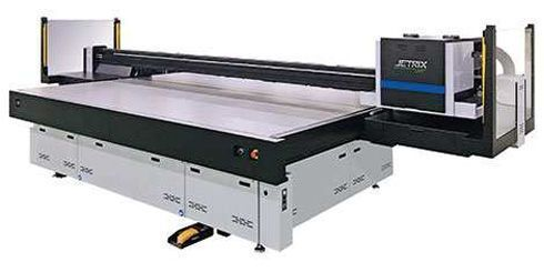 Jetrix LXi8 é impressora plana que suporta mídias no formato de até 3,2m x 2m