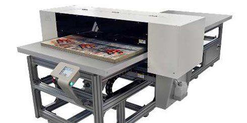 Azon Matrix pode imprimir mídias planas e objetos cilíndricos