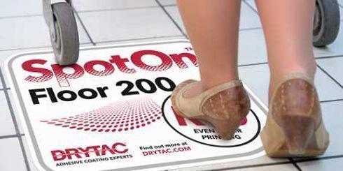 SpotOn Floor 200 possui superfície antiderrapante e pode receber impressão digital