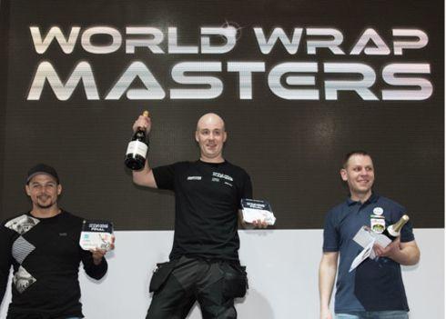 O sueco Jonas Sjöström foi o vencedor da competição de envelopamento de carros