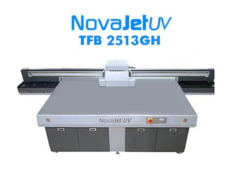 Impressora tem sistema de alimentação plano de substratos