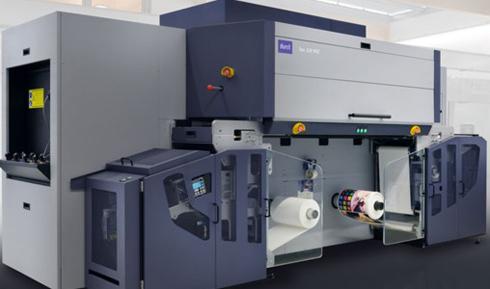 Tau 330 RSC possui sistema de tintas com oito canais de cores