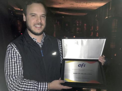 Guilherme Alexandrino recebe prêmio Sales Excelence, da EFI