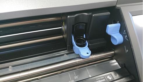 Plotter recorta materiais nos formatos A4, A3, SRA3 e Super A3