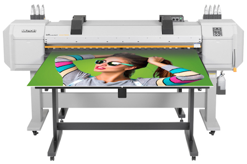 VJ-1627MH emprega tintas para impressão de rígidos e flexíveis