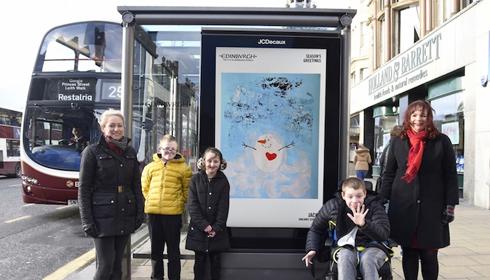 Telas digitais em Edimburgo veicularam 11 cartões natalinos