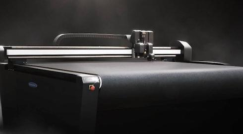 Modelos F3232 e F3220 são indicadas para cortar tecidos