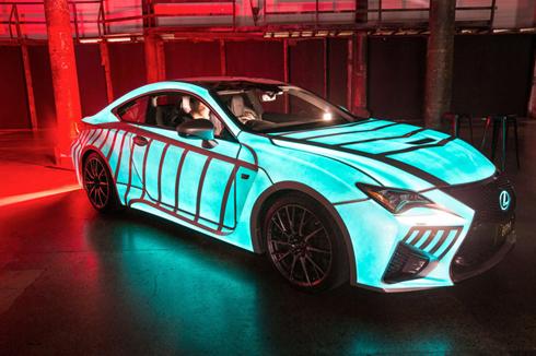 Carros e materiais promocionais podem receber a laca luminosa