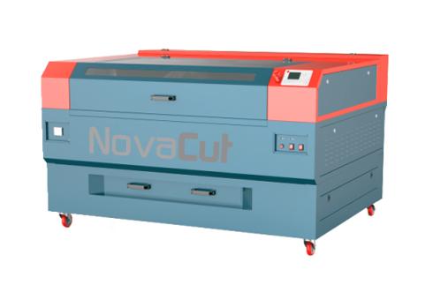 Máquina a laser trabalha com diversos tipos de mídias para muitas aplicações