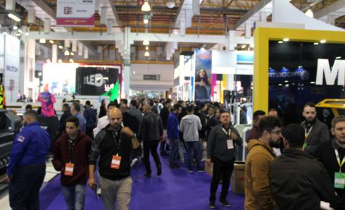 Empresários e técnicos de várias regiões do país compareceram ao evento para adquirir tecnologias