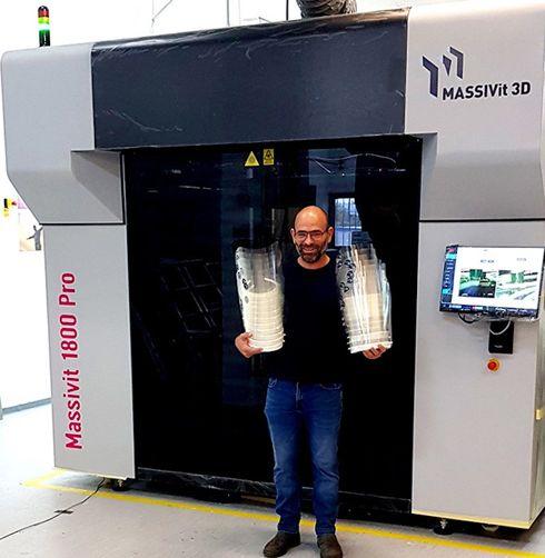 Fabricante, clientes e distribuidores estão imprimindo centenas de protetores em vários países