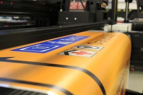 Mídia e tinta usadas na Express UV são específicas e certificadas