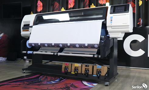 Lançada em janeiro no Brasil, a HP Stitch S 500 chega para acirrar de vez o segmento de sublimação de grande formato