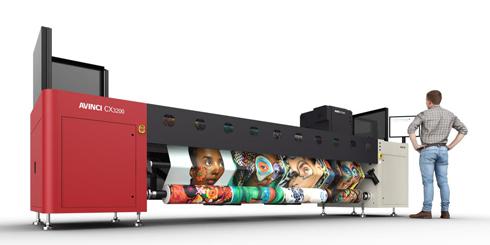 Com 3,2m, Avinci CX3200 é indicada para soft signage