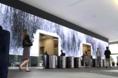 Video wall enorme confere beleza a lobby de escritório californiano